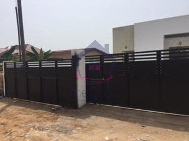 3 bedroom semi-detached house for sale in Teshie
